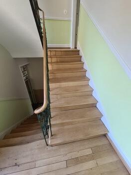 Abbildung 2 Treppenhaus saniert
